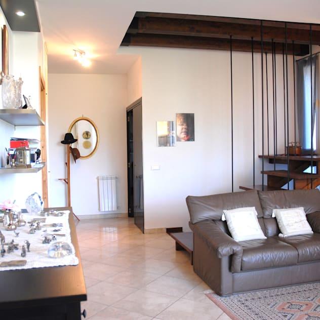 foto-di-soggiorno-in-stile-eclettico-e-di-colore-nero-arch-sara-pizzo-studio-1881